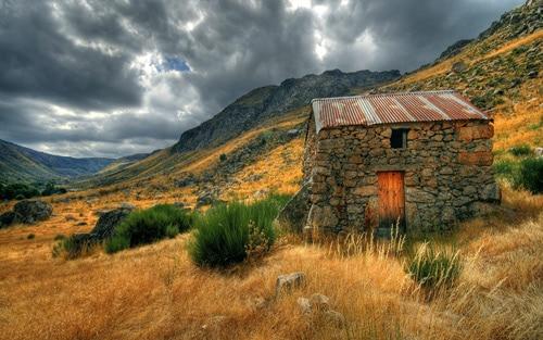 Glaciar Vale House By Joel Antunes