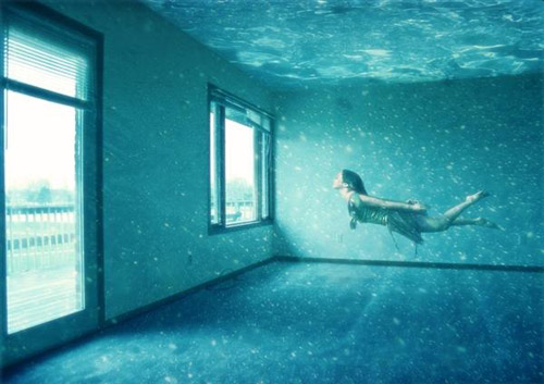 Breathtaking Underwater Apartment Photo Manipulation