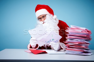 1959915_stock-photo-reading-letters