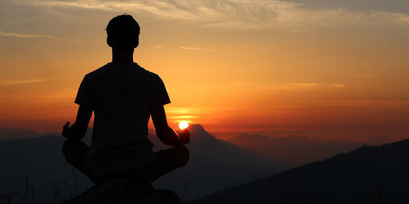 Manage Stress Through Mindfulness